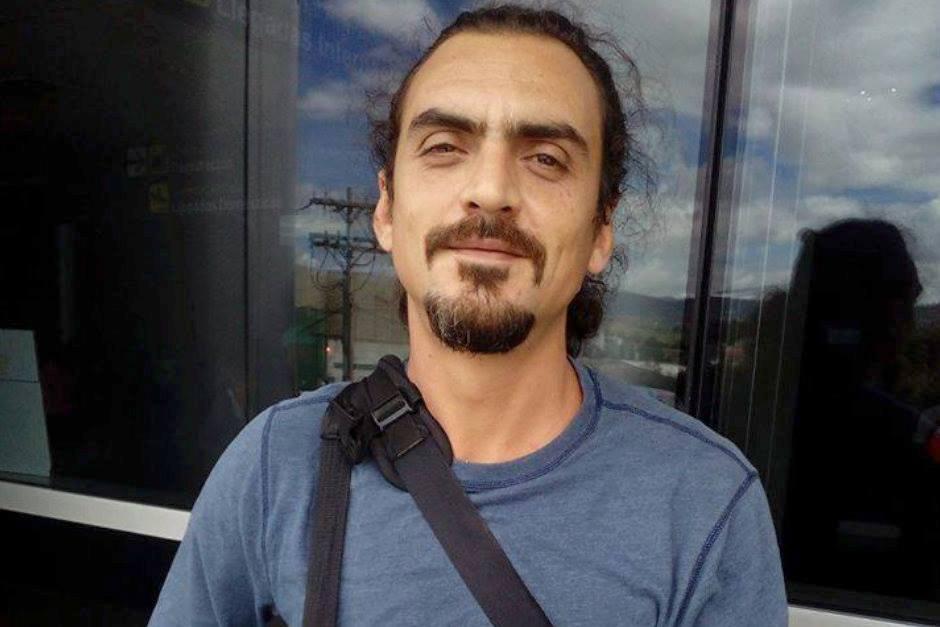 Periodista murió aplastado al caer una estructura en una manifestación