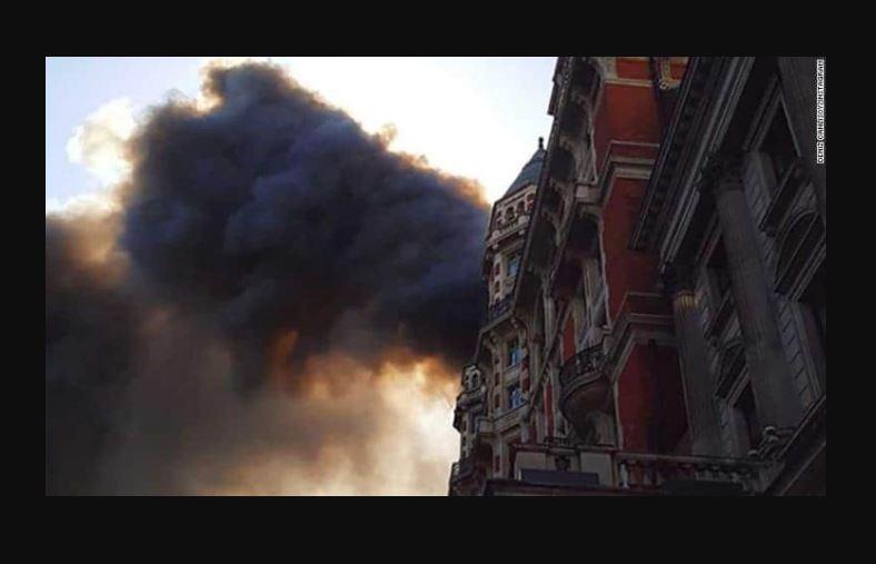 Robbie Williams, evacuado de un incendio en un hotel de Londres