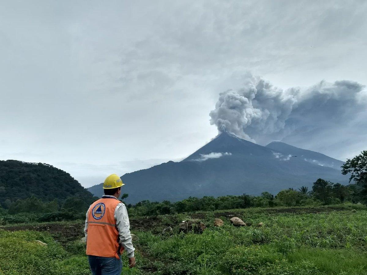 La erupción del volcán en Guatemala ya ha causado 25 muertos