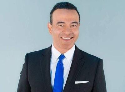 Acusan a expresentador Carlos Toledo de agresiones sexuales