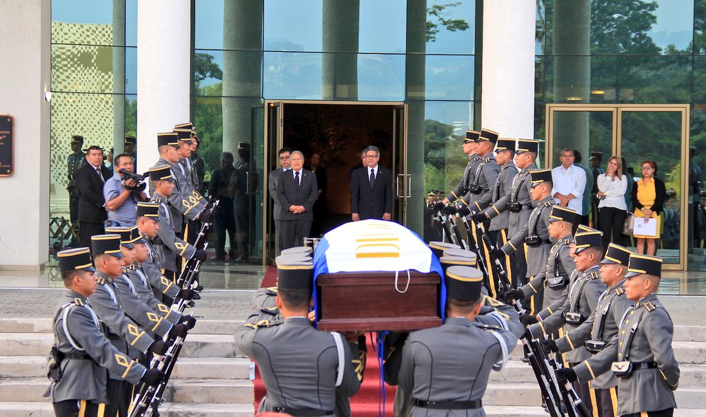 Morales expresa pesar por fallecimiento de embajadora de El Salvador en Bolivia
