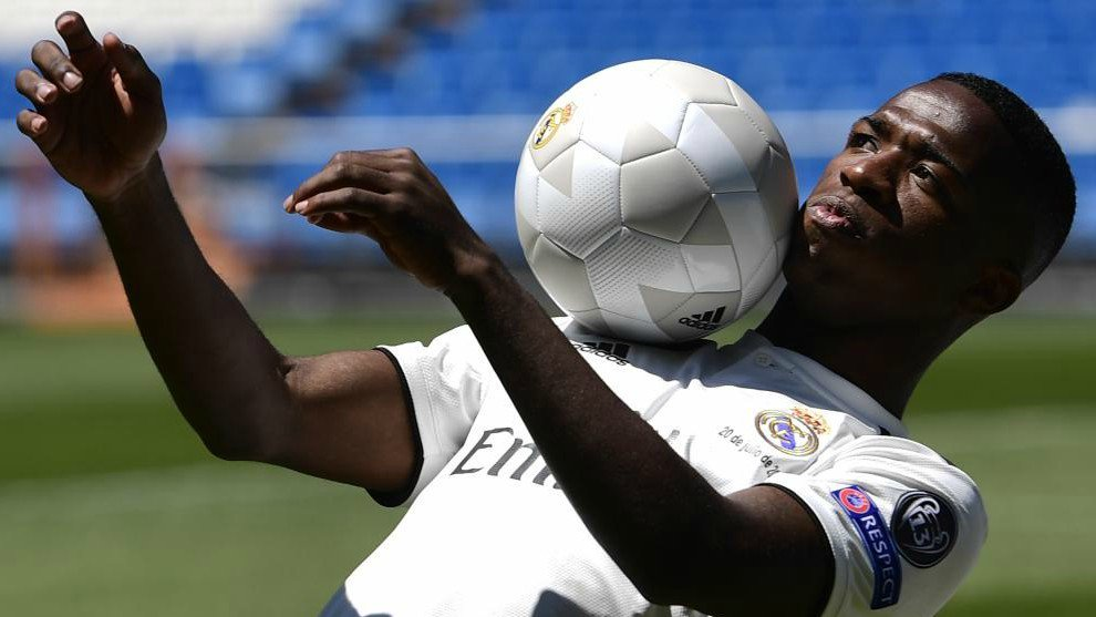Real Madrid presentó a su nuevo jugador brasileño de 18 años