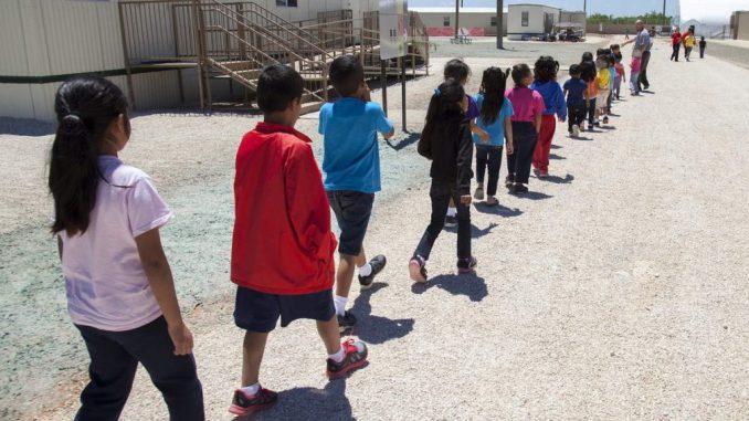 Niña inmigrante de 6 años, abusada cuando estaba detenida en EEUU