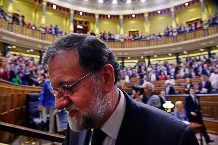 Sánchez dice que pronto se exhumará restos del dictador Franco