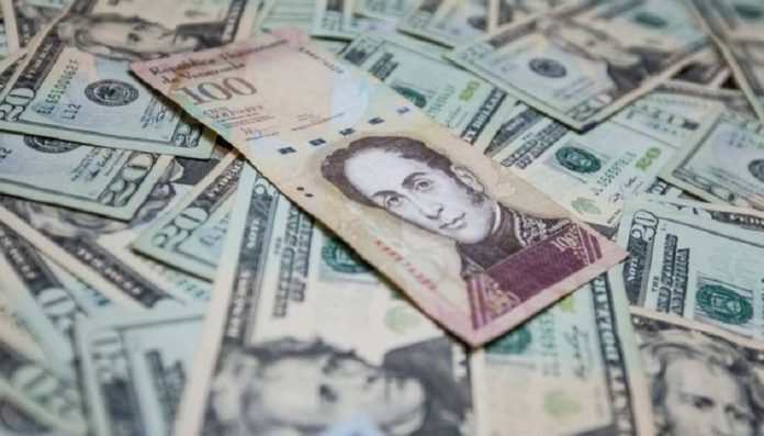 Venezuela deja de usar el dólar como moneda de referencia
