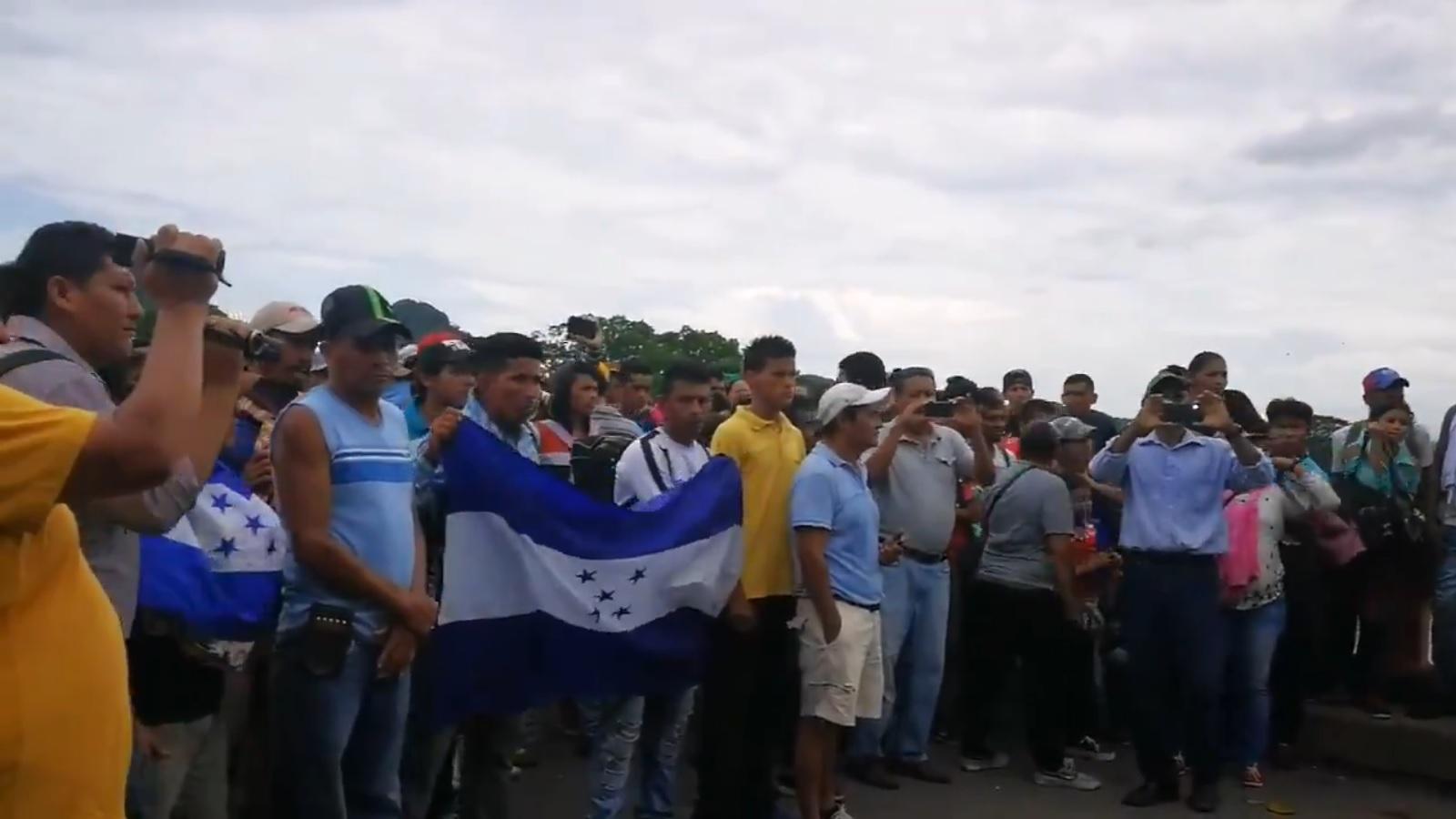 Trump por tropas en la frontera sur con Guatemala — Gracias México