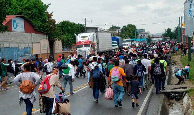 Nuevo grupo de migrantes parte hacia EEUU en caravana