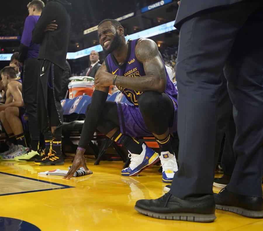Lakers se prepara para jugar sin LeBron James varios partidos — Fuentes