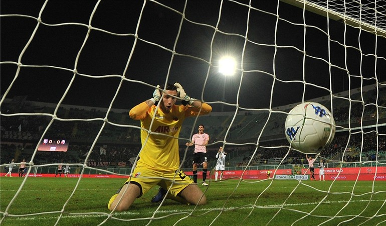 #Video El autogol del 2018 ocurre en la Serie B de Italia