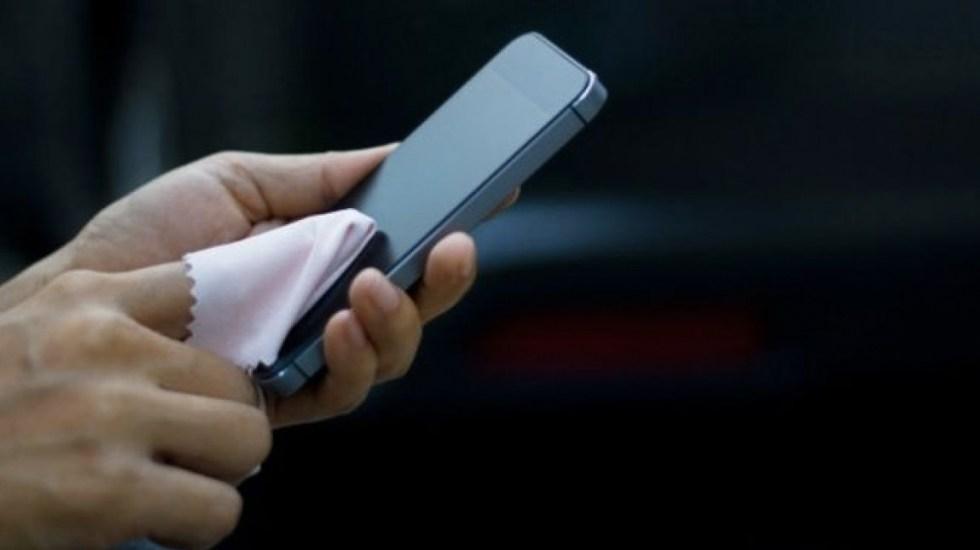 Estudio: Teléfonos tienen siete veces más bacterias que el inodoro