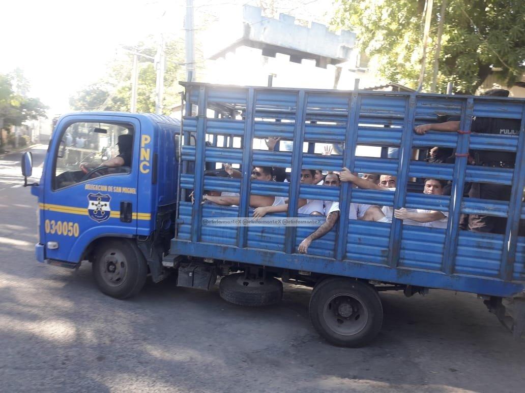 250 reos fueron trasladados a diferentes centros penales 1