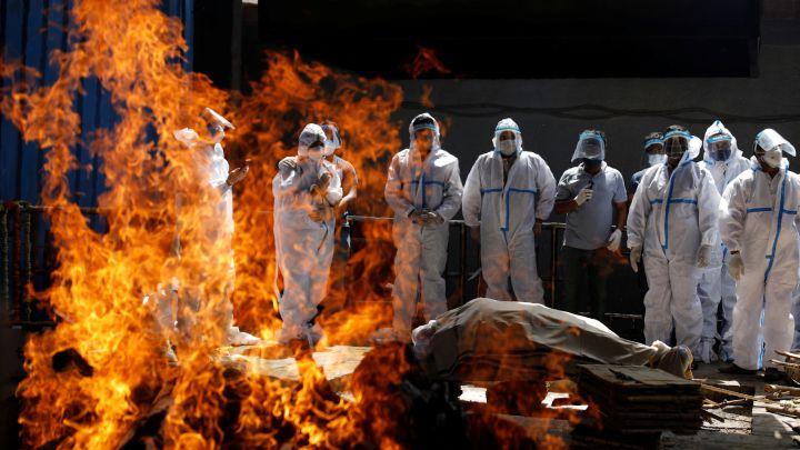 India con nuevo récord con más de 330.000 casos y 2.263 muertes en 24 horas  – Diario La Página